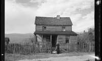 8b26637v-house-on-the-road-to-old-rag