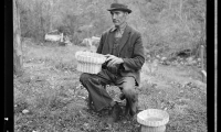 8b26641v John Nicholson with some of the baskets he weaves